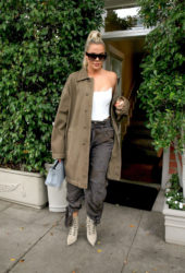 Khloe Kardashian Out for lunch in Los Angeles
