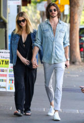 Delta Goodrem and Matthew Copley Out for Breakfast in Sydney