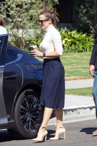 Jennifer Garner Leaves Church in Pacific Palisades
