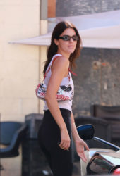 Kendall Jenner Out for Lunch in Beverly Hills