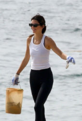 Kendall Jenner at Heal the Bay Clean Up Beaches in Malibu