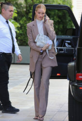 Rosie Huntington-Whiteley Arrives at a Meeting in Beverly Hills