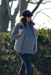 Pregnant Anne Hathaway Out in Westport