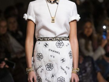Celebrity Fashion - Kaia Gerber at Chanel Metiers d'Art 2019/2020 Runway Show in Paris