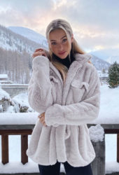 Charly Jordan in Val-d'Isère Instagram photos