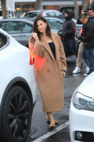 Pregnant Jenna Dewan Out Shopping in Beverly Hills