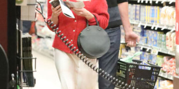 Emma Roberts Grocery Shopping With Garrett Hedlund in Santa Monica