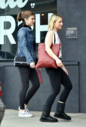 Kate Mara and Kristen Bell Hit the gym together in Los Feliz