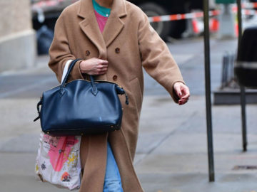 Katie Holmes Leaves Her House in New York