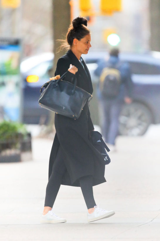 Katie Holmes arriving back at her Home in New York