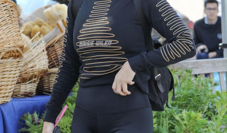 Celebrity Shopping –  Kourtney Kardashian at a Farmers Market in Calabasas