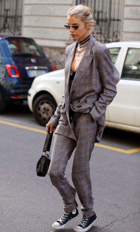 Stella Maxwell Arrives at Etro Fashion Show in Milan