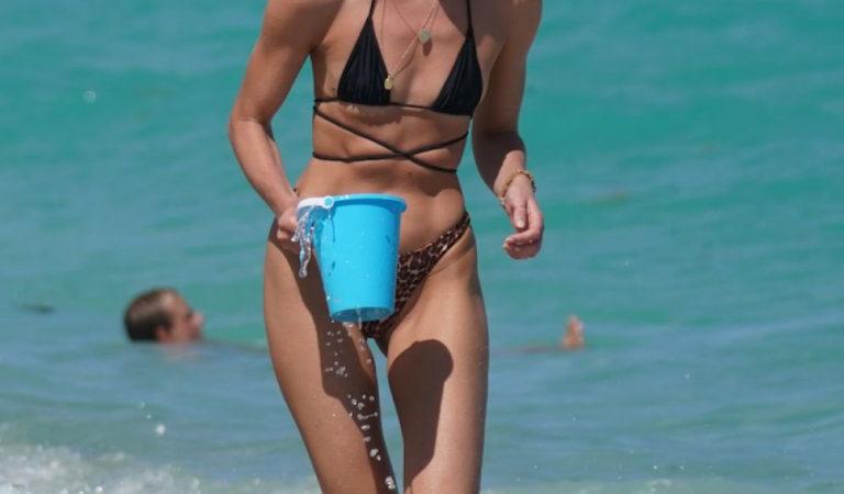 Celebrity Bikini – Candice Swanepoel In bikini on the beach in Miami