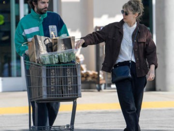 Elizabeth Olsen and Robbie Arnett at Erewhon Market in Los Angeles