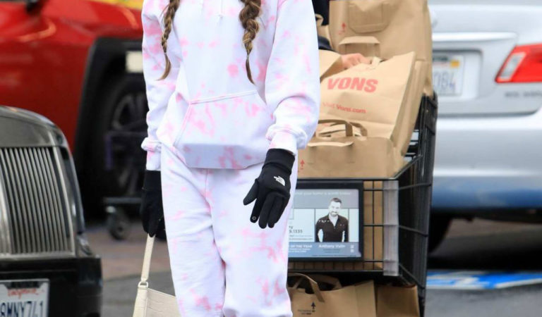 Street Style – Madison Beer wears surgical mask and gloves amid Coronavirus Pandemic in LA