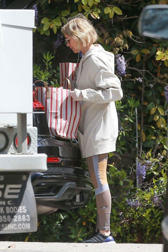 Naomi Watts Out Shopping in Los Angeles