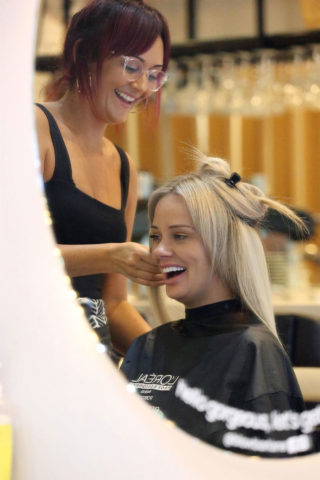 Jessika Power Gets her hair done on the Gold Coast