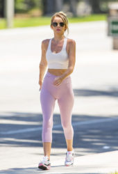 Hayley Hasselhoff Out Hiking in Calabasas