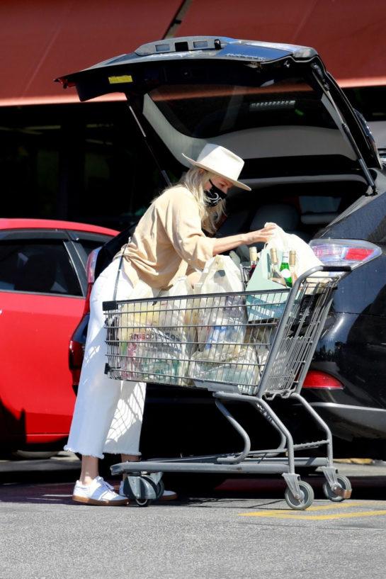 Malin Akerman Shopping at Gelson's Market in Los Feliz