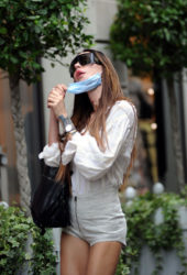 Nina Moric Out Shopping in Milan