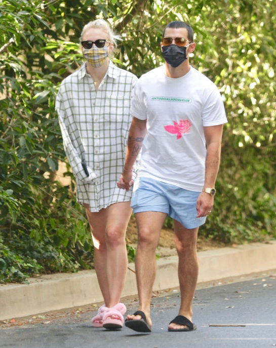 Pregnant Sophie Turner and Joe Jonas out for a walk in Encino