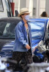 Vanessa Paradis wear face masks in Paris