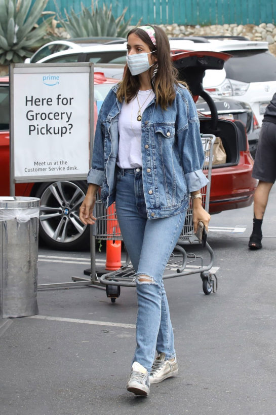 Ana de Armas Shopping in Los Angeles