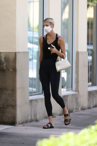Devon Windsor arrives at Pilates class in Miami