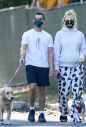 Pregnant Sophie Turner and Joe Jonas Out with Their Dogs in Los Angeles