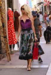 Victoria Silvstedt strolling around while Shopping in Saint-Tropez, France