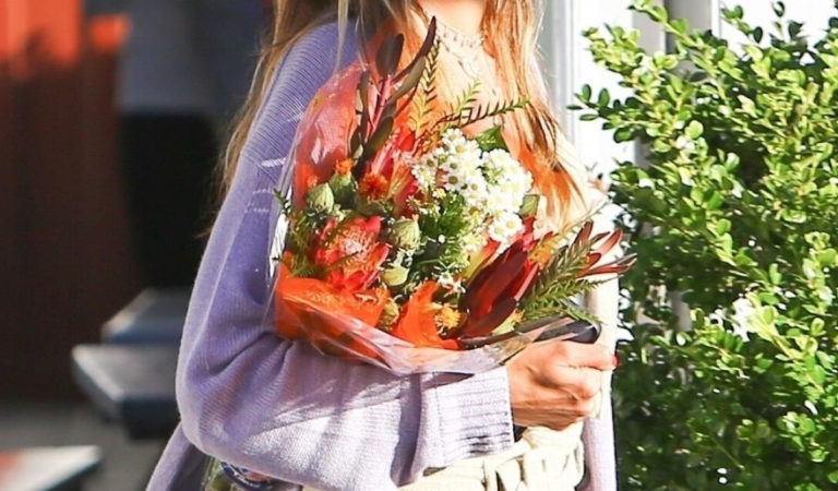 Celebrity Shopping – Alessandra Ambrosio Shopping Flowers at Brentwood Country Mart