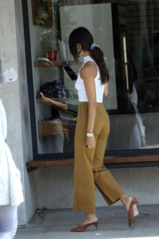 Eiza Gonzalez grabbing an Iced Coffee in Los Angeles