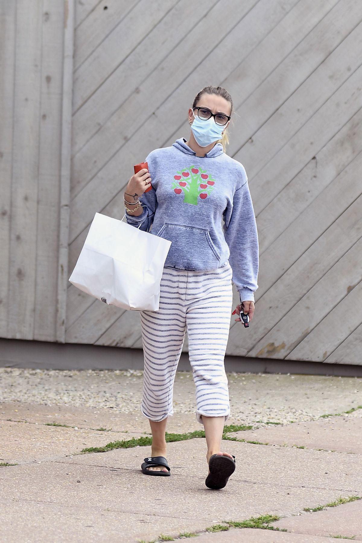 Street Style Scarlett Johansson Out In New York Justfabzz