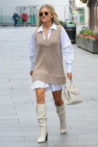Ashley Roberts Leaves Heart FM Studio in London