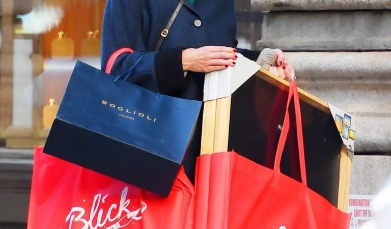 Celebrity Shopping – Katie Holmes Out for Christmas Shopping in New York City