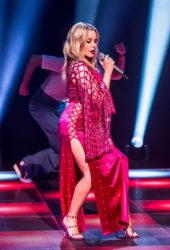 Kylie Minogue Performs at Jonathon Ross Show in London