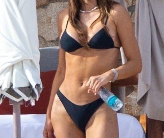 Celebrity Bikini – Amelia Gray Hamlin in Bikini at a Beach in Tulum