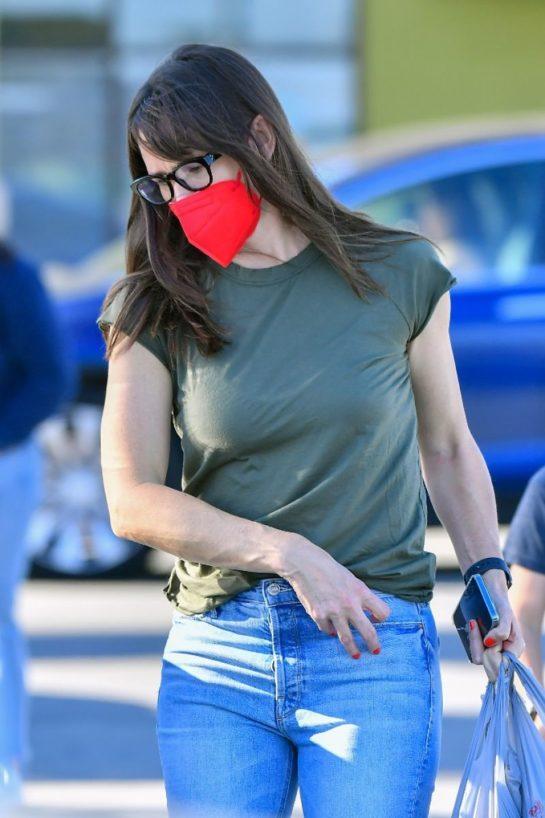 Jennifer Garner In denim out in Santa Monica