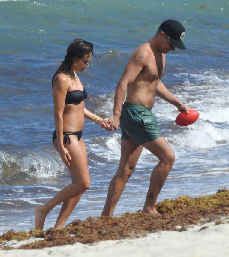 Jessica Alba in dark blue bikini on the Beach in Miami