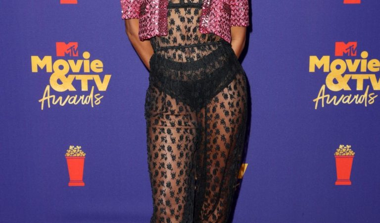 Red Carpet – Taylour Paige at 2021 MTV Movie Awards in Los Angeles