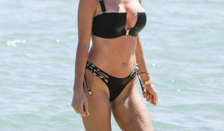 Celebrity Bikini – Victoria Silvstedt in Bikini at Byblos Beach in Saint Tropez