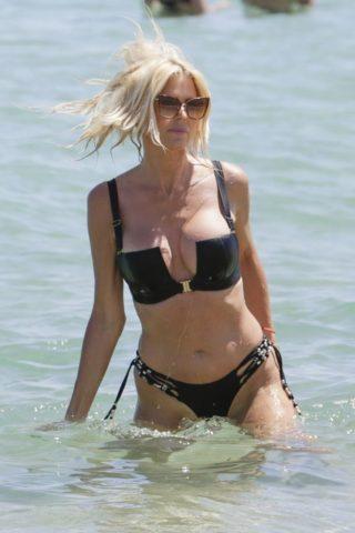 Victoria Silvstedt in Bikini at Byblos Beach in Saint Tropez